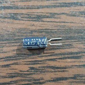 خازن الکترولیت، ۶.۳ ولت، ۴۷ میکروفاراد